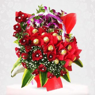 Roses with Ferrero Rocher chocolate Bouquet Online - Red Rose Flower Bouquet Online
